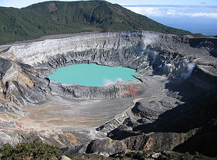 The Poas Volcano : one of the biggest and most active in the world