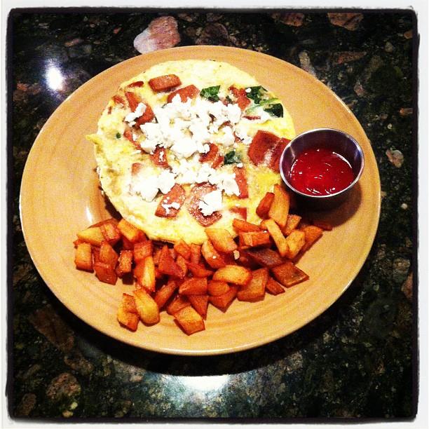 Veggie omelette with veggie sausage at LanaLou's