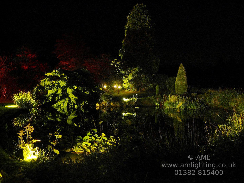 AML Garden Lighting - White & Gold
