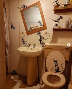 Banksy Bathroom