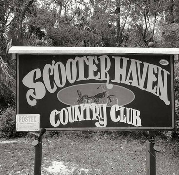 Scooter Haven Sign BW.jpg