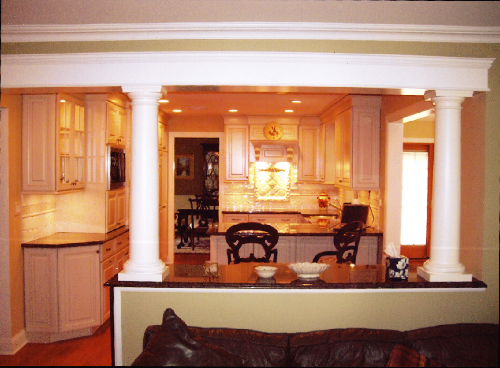 Kitchen-Family-Room-Columns-Renovation