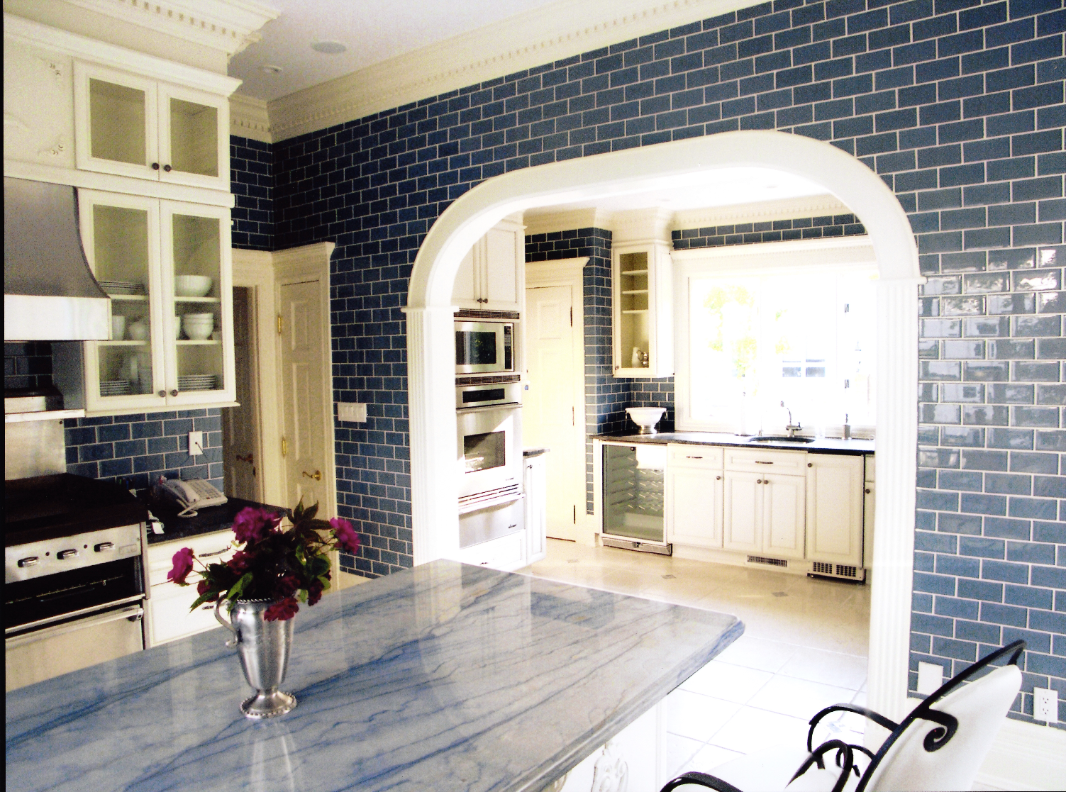 Blue-Subway-Tiles-Kitchen-Renovation