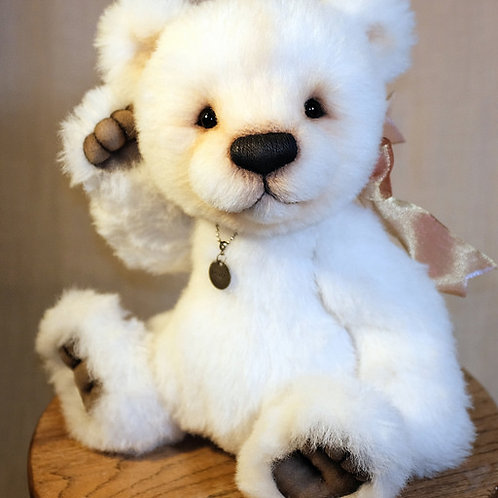 Cupcake (15-inch Alpaca Polar Bear)