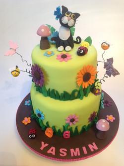 Garden & Cat Cake photo 2_edited.JPG