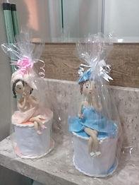 Porta papel higiênico  decorado com boneca