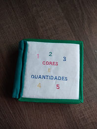 Livro de Tecido Bordado: Cores e Quantidades