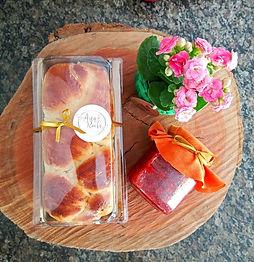 Pão Caseiro + Geléia de Morangos