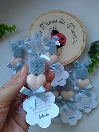 Lembrancinha de Letra e Mini Coração em Sabonete