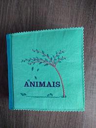 Livro de Tecido Bordado: Animais