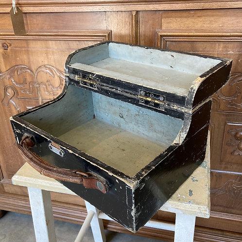 Vintage Lidded Shoe Shine Box
