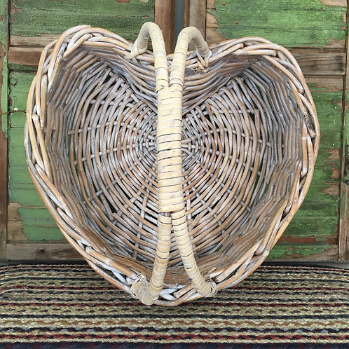 Stunning heart shaped woven basket to buy in Devon