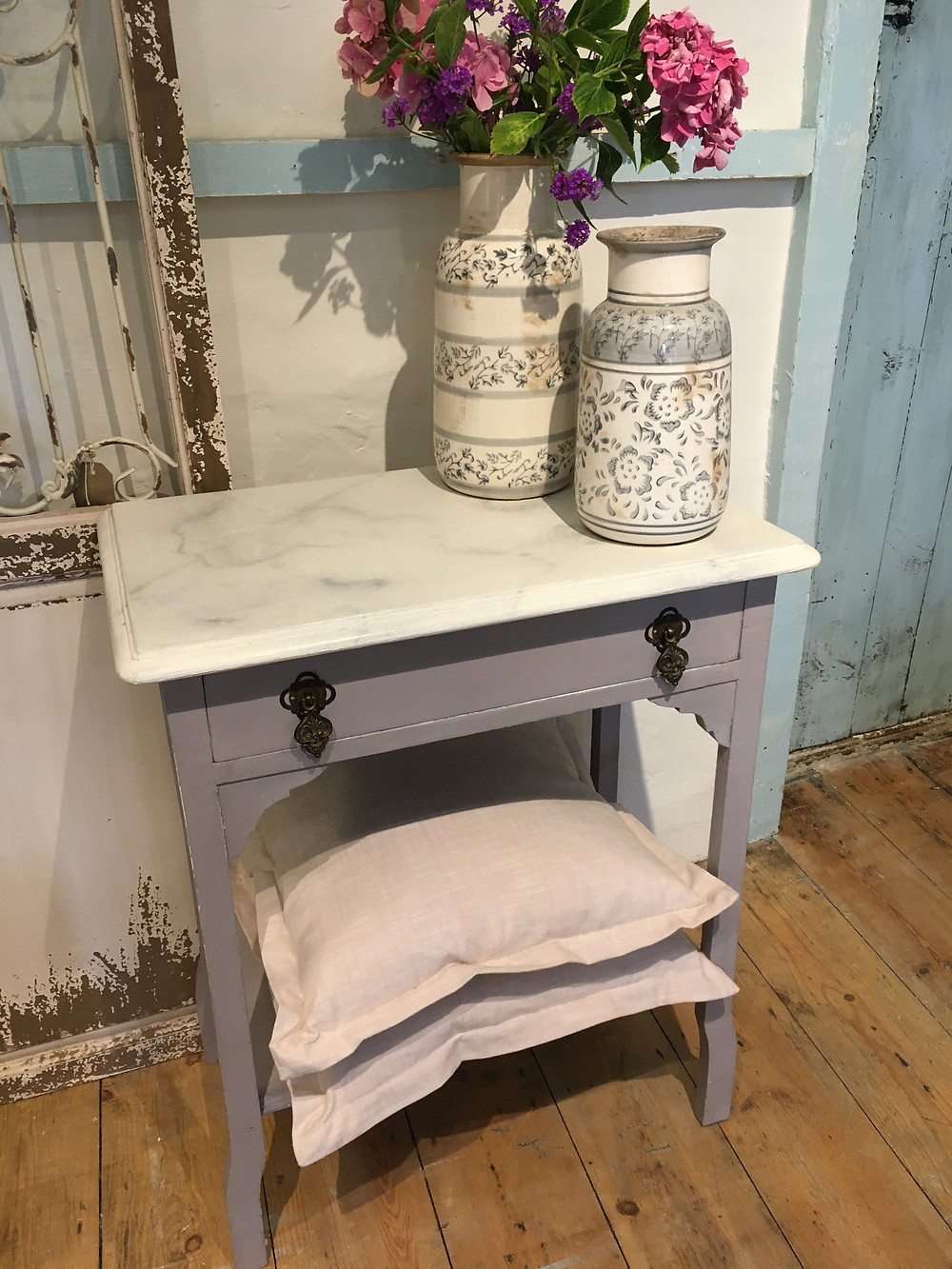A marble effect created with Annie Sloan Chalk Paint on a little washstand