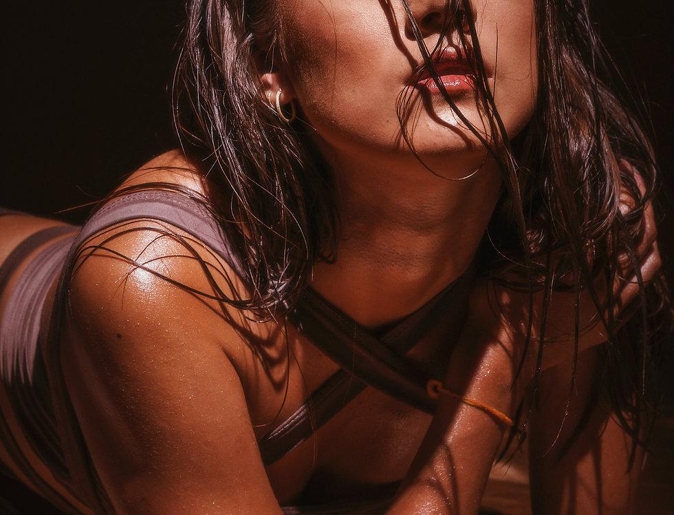 Huile illuminatrice pailletée GLOW Nude