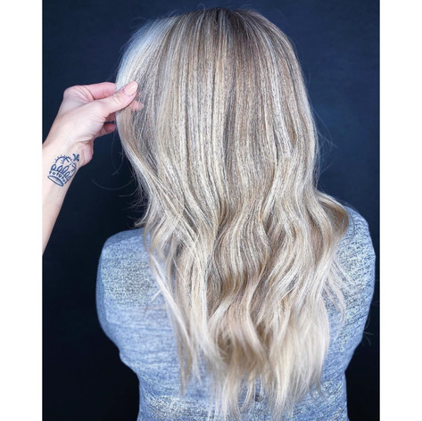Bright summer blondes at vibe salon by Christel