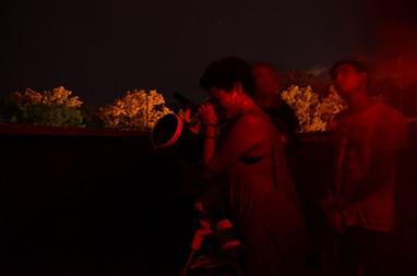 Observação com telescópios_2_ Foto Laris