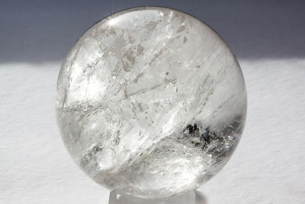 pierre naturelle, yqueme cretaion, cristal de roche, vertu cristal de roche, propriété cristal de roche
