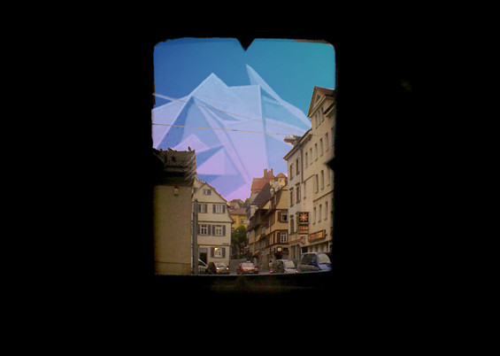 Video and realtime surroundings merge in the view through the Apparatus