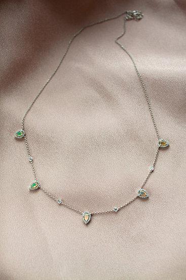 Ожерелье с опалами в огранке