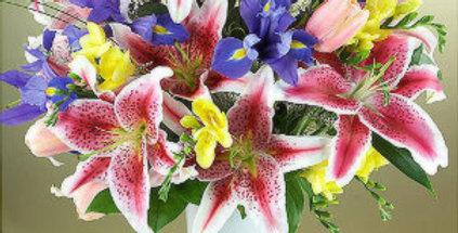 trio of color bouquet
