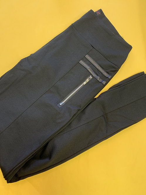 Black Leggings with zipper pocket and leather accents