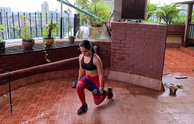 WEIGHT LUNGES