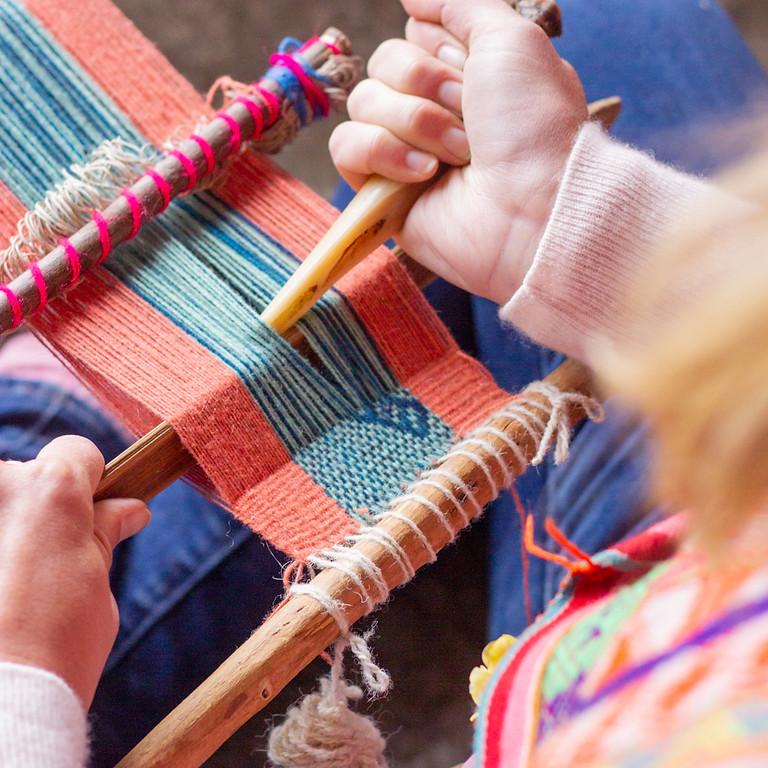 Tintes & Textiles   October