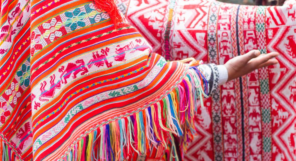 Aula Artesana Textile Workshop Cusco Peru