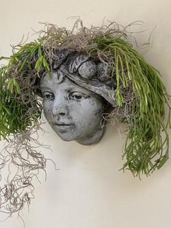 Head Wall Planter