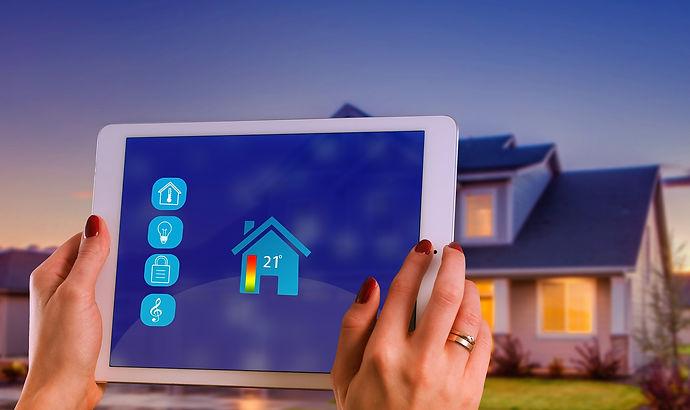 smart-home-4_edited.jpg