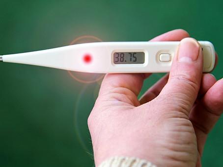Gorączka jest jednym z pierwszych symptomów COVID-19: jakie to może mieć znaczenie?