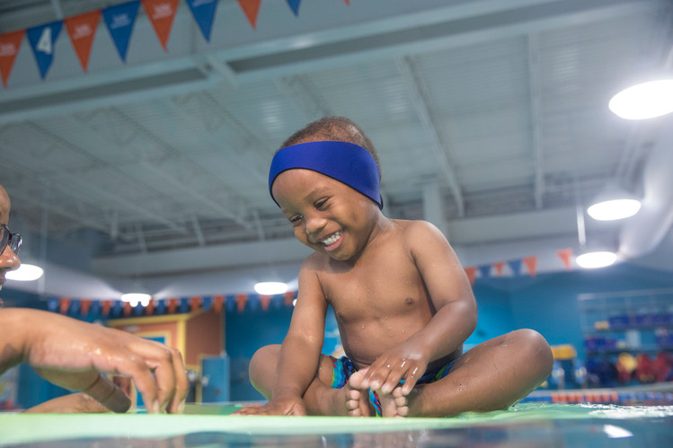 4618_170821_Goldfish_SwimSchool.jpg