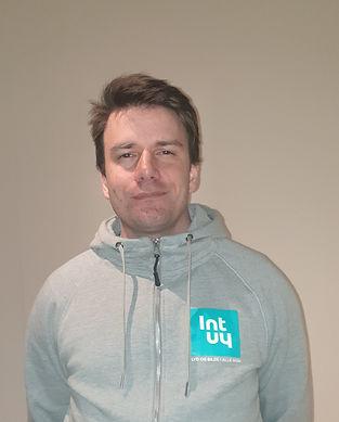 Niklas Profilbilde Intuy Logo.jpg