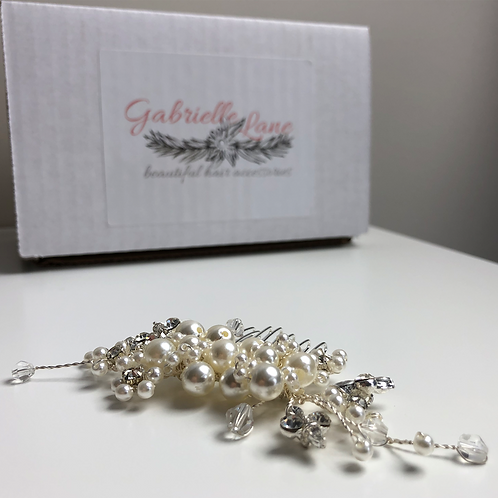 Silver, Pearl & Crystal Flower Hair Comb | Wedding Hair Jewelry