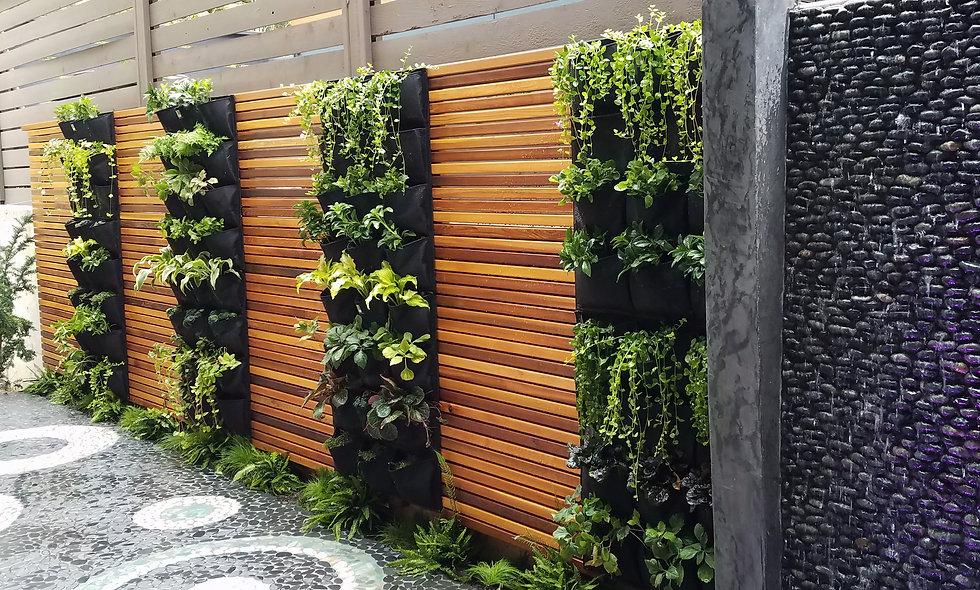 12 Pocket Outdoor Vertical Living Wall Planter