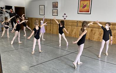 Pre-Dance Ballet Class 8.HEIC