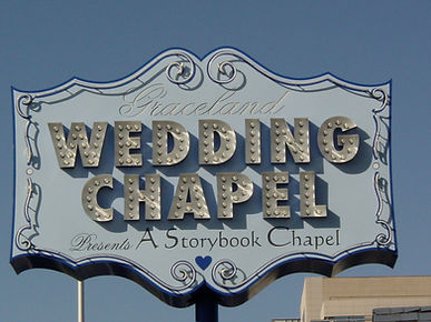 Heiraten ind er Graceland Chapel