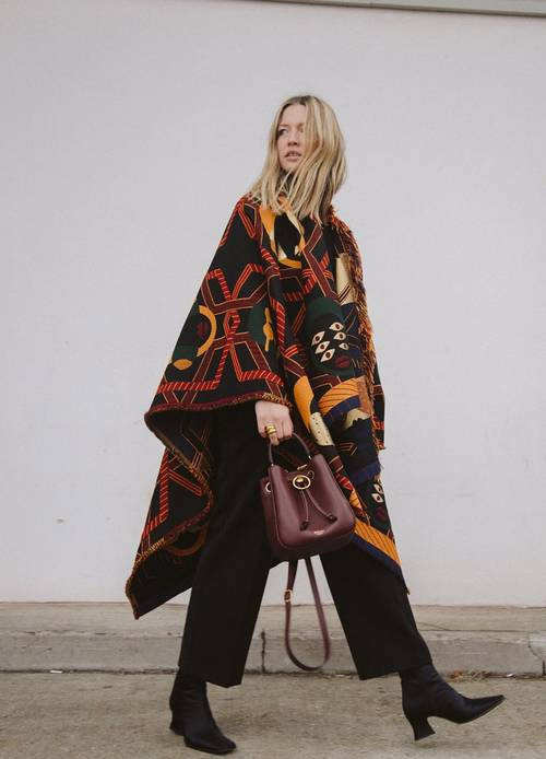 Capes and Scarves, Carry on layering, stylishly of course, the image tree blog, who what wear