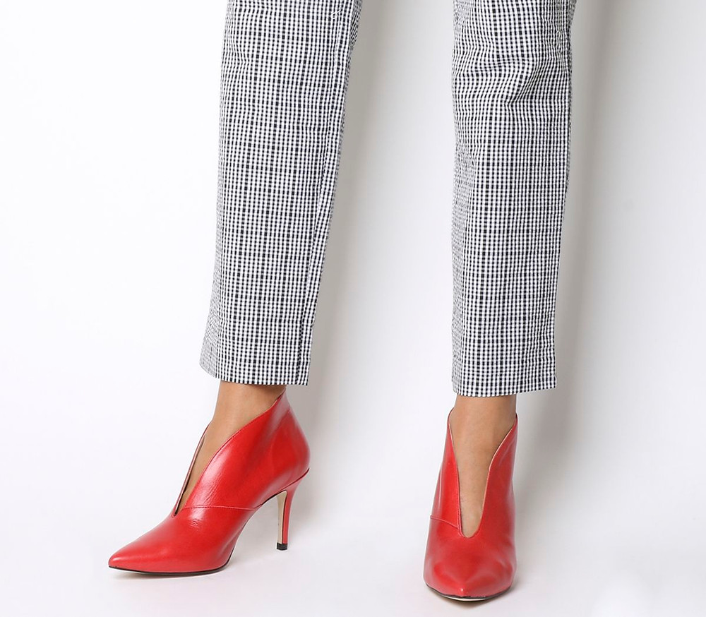 Red V Shoes, Office