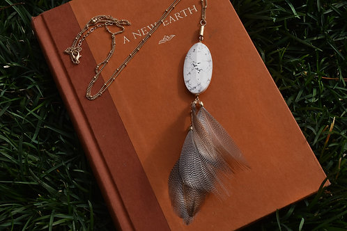 Howlite Feather Necklace 30""