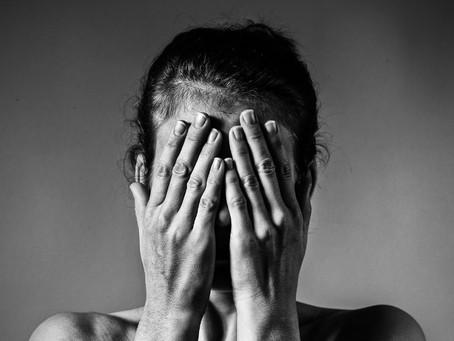 Pena, culpa y miedo: la triada que detiene tu crecimiento