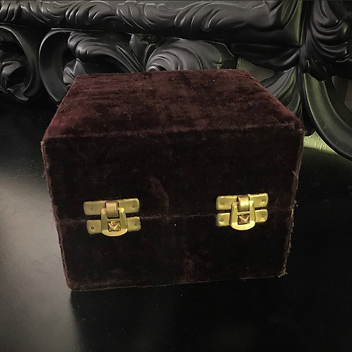 Brown Velvet Box / Dynasty Silver Collection