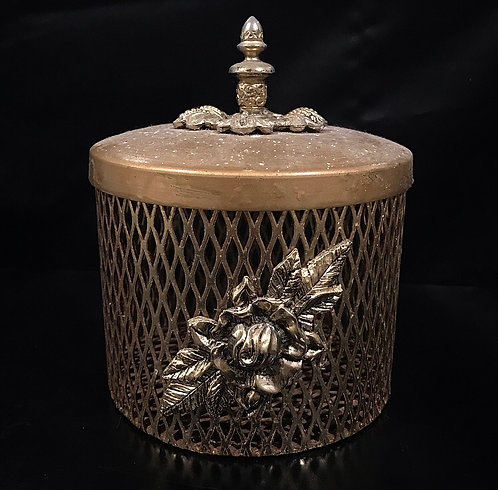Rustic French Wire Basket With Lid