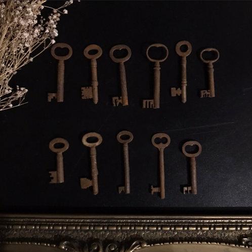 Old Antique Key Medium (4.5cm - 6.5cm)
