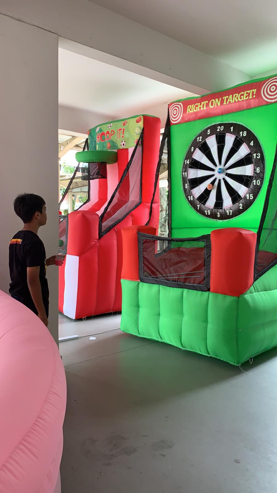 Inflatable gamebooth