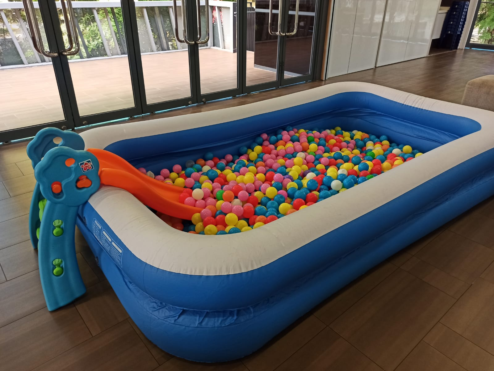 Inflatable Ballpit with Slide