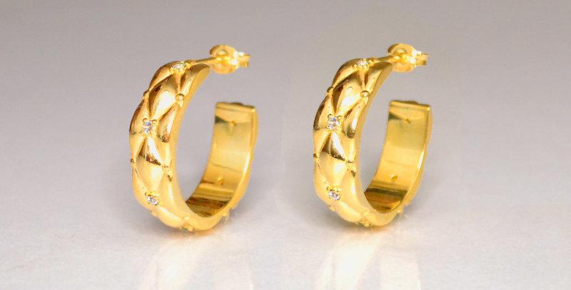 4月誕生石ダイヤモンド ダイヤキルトフープピアス スターリングシルバー(SV925) ゴールドコーティング