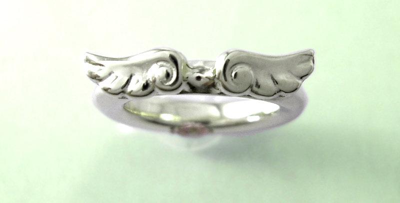 天使のベビーリング 10月誕生石ピンクトルマリン pt900(プラチナ)