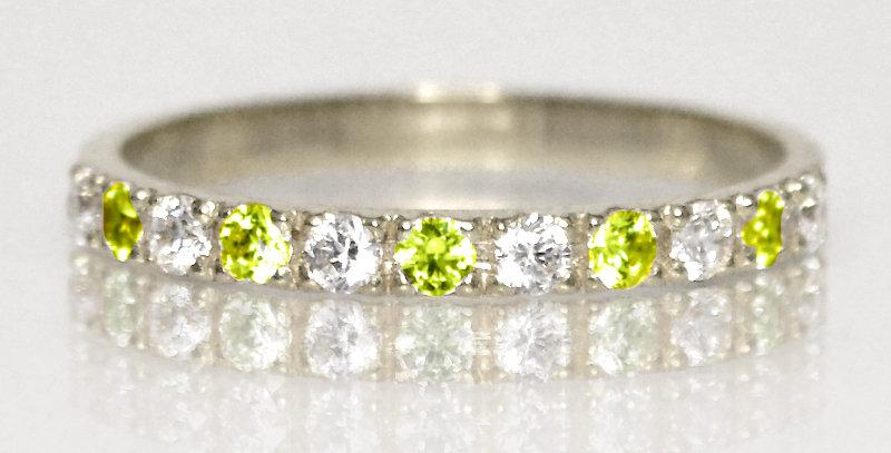 8月誕生石ペリドット&ダイヤモンド ハーフエタニティリング K18WG(18金ホワイトゴールド)