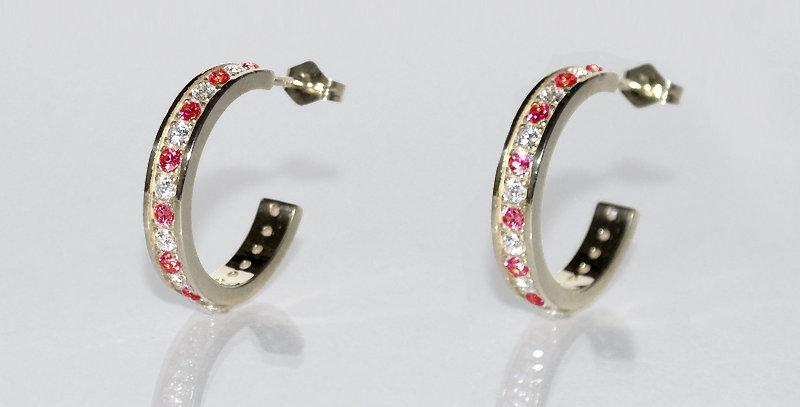1月誕生石ガーネット&ダイヤモンド エタニティフープピアス K18WG(18金ホワイトゴールド)